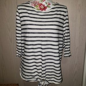Striped 3/4 sleeve top. Size 1X